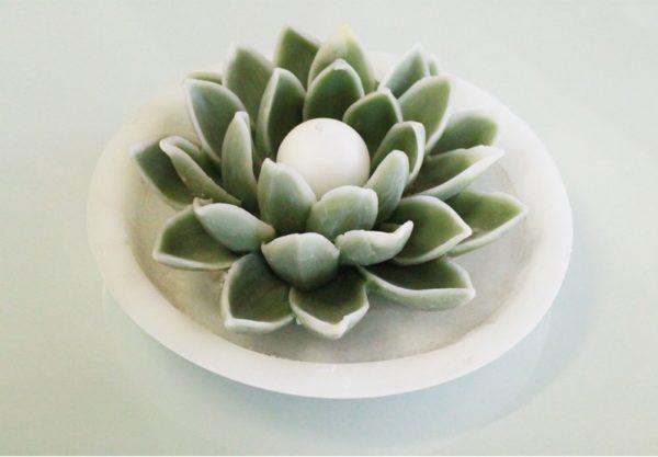 Candele Ninfea avorio con piatto cera
