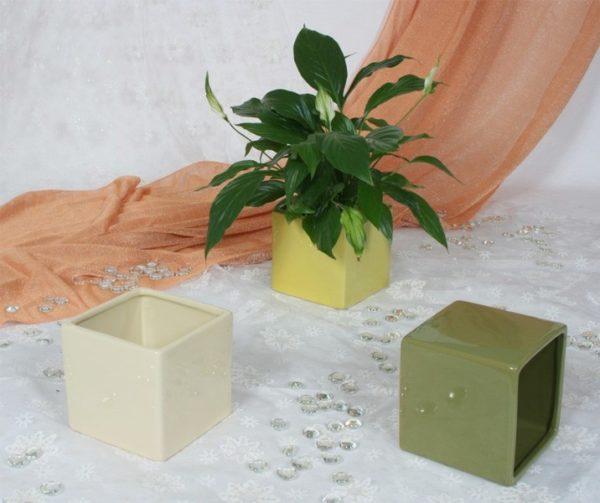 Portavaso cubo in ceramica