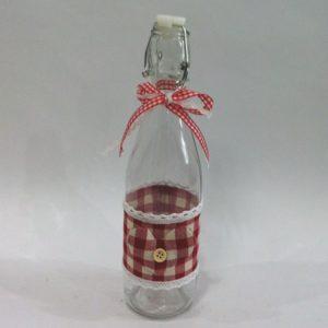 Bottiglia di vetro con decoro stoffa quadretti rosso